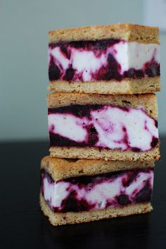 Lemon Blueberry Ice Cream Bars via Beantown Baker Frozen Desserts, Frozen Treats, Just Desserts, Delicious Desserts, Dessert Recipes, Dessert Healthy, Blueberry Ice Cream, Biscuits, Ice Cream Treats