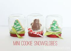Mini Cookie Snowglob