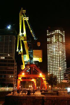 Entre grúas y torres... | Puerto Madero, Buenos Aires, Argentina -