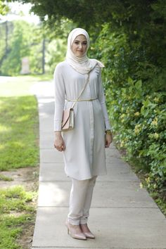 WithLoveLeena Hijab Casual, Ootd Hijab, Hijab Outfit, Modest Outfits, Modest Fashion, Women's Fashion Dresses, Hijab Fashion, Korean Fashion, Girl Fashion