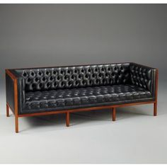 Fabulous Leather Mid Century Modern Sofa Black Leather Tufted Mid Century Modern Couch Furniture - A leather sofa is a sensible financial investment both f Couch Furniture, Fine Furniture, Home Decor Furniture, Furniture Design, Mid Century Modern Couch, Mid Century Modern Furniture, Moderne Couch, Room Deco, Modern Leather Sofa