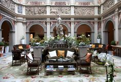 The best luxury hotels in Florence where picked to show you the opulence that the city can offer according to the best places where you can stay.