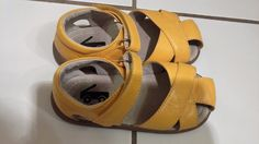 See Kai Run Boutique Leather Yellow  Sandals Girl Size 9