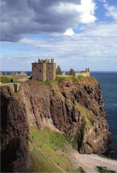 Dunnottar Castle: Stonehaven, Scotland