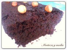 Un brownie delicioso, jugoso con el sabor de las avellanas. se pueden sustituir por almendras o nueces.