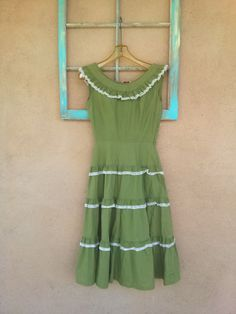 Vintage 1950s Dress Tiered Flounce Fiesta Avocado Green Cotton US4 B 34 W 25 2015332 - pinned by pin4etsy.com