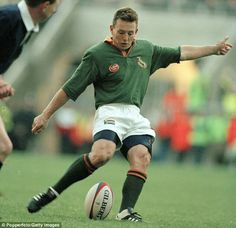 Joel Stransky Rugby Teams, Rugby Players, Interesting Photos, Cool Photos, Australian Football, Vintage Sport, Sports Art, African History, South Africa
