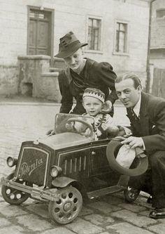 c.1920.... pedal car!
