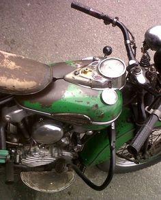 twowheelcruise:  life on a motorcycle . Harley Harley-Davidson Harley Davidson Knucklehead kickstart Springer jockey shifter Details