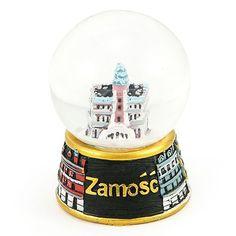Snieglente 45 mm - Zamość. Sniego gniužtes, kuriu skersmuo pasaulyje yra 45 mm - Rotušes viduje ir nuomos namuose iš rinkos aikštes. #zamość Snowball, Snow Globes