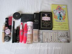 Cristina's Beauty Box   Beauty Blog : My Travel Makeup Bag Makeup Box, Makeup Tips, Travel Makeup, Beauty Box, Nail Care, The Balm, Makeup Looks, Bag, Mac Makeup Box