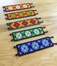 Woven Bracelets, Seed Bead Bracelets, Graph Paper Art, Pillow Cover Design, Beading Projects, Brick Stitch, Loom Beading, Resin Crafts, Hama Beads