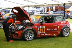 MINI Race Photos and Media | MINI John Cooper Works Racing Team