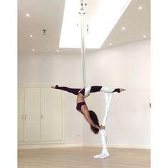 Found another way to get into my new favourite split on the silks ______________________________________ Wearing @nuxactive from @fitplum ______________________________________ #Aerialistofig #usaerial #circusinspiration #circusinternational #aerialbeauty #healthspo #aerialsilks #aerialsilkcombo #flexibility #aerialist #getlean #aerialyoga #fitness #aerialtissu #aerialfitness #dubaiaerialist #aerialtrick #aerialist #fitchicks #aerialangels #fitinspiration #fitdxb #girlswholift #aerialna...