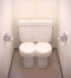 thema humor: grapje van de dag: Tweepersoons-WC