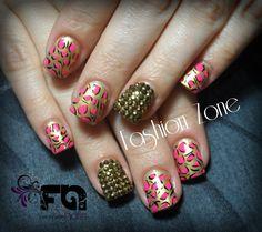 Nails.  bling..... Diseño hecho en Fashion Zone Monterrey 8348.9999. Especialistas en uñas acrílicas.