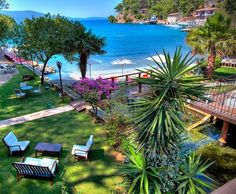 Burası tam benlikmiş ☺️ Şu an #Akyaka'da Baga Otel'deyiz.  Denize bakan manzaralı bir oda tuttuysaniz sabah Gökova'nin mavisine ve yeşiline huzurla uyanabilirsiniz, özellikle çiftlerin birkaç günlük romantik kaçamakları icin harika otel.. www.kucukoteller.com.tr/akyaka-otelleri.html