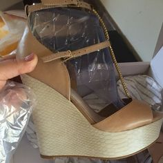 Aldo bn size 8 wedges gold hardware Very sexy wedges, two tone ALDO Shoes