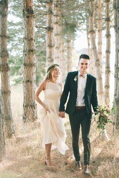 ▷ 1001 + trendy models to better choose your wedding suit in 2018 - mansuit Beach Wedding Groomsmen, Wedding Men, Wedding Suits, Wedding Attire, Wedding Dresses, Autumn Wedding, Groom And Groomsmen Attire, Groom Outfit, Green Wedding Suit