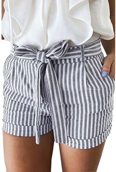 striped shorts ideen for teens frauen shorts outfits Looks Style, Style Me, Trendy Style, Spring Summer Fashion, Spring Outfits, Spring Shorts, Ootd Spring, Summer Fashion Outfits, Look Fashion