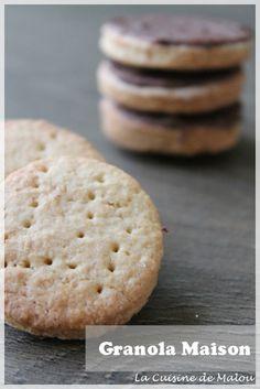 Encore une recette de biscuit de commerce à reproduire chez soi ! Et oui, parce que cette recette de granola, trouvé sur le site qu'on ne présente plus, la super supérette est juste au poil ! Simple à réaliser, sans tous les additifs et autres cochonneries que... #biscuit #chocolat #goûter