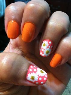 White Daisies nail art theme! Loving the creamy orange with the white daisies!