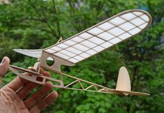 Drifty Primary Glider by Vito M Garofalo from Tern Aero - pic Auto Union 1000, Wiking Autos, Rc Plane Plans, Star Wars Origami, Rc Glider, Rc Model Airplanes, Balsa Wood Models, Airplane Crafts, 3d Modelle