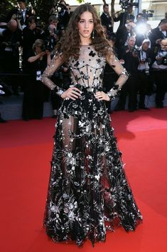 'Ismael's Ghosts' & Opening Gala Red Carpet - Coco Königi n Ralph & Russo Ralph & Russo, Cannes 2017, Iconic Dresses, Palais Des Festivals, Frock Dress, Cannes Film Festival, Festival 2017, Julianne Moore, Dress For Success