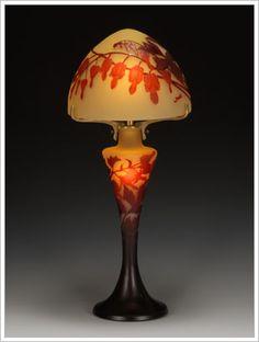 Emile Gallé    Art de la lumière. Bleeding lampe de coeur