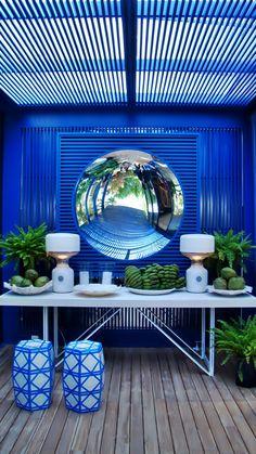 Beach House designed by Roberto Migotto - Casa Cor SP. Patio Interior, Interior Exterior, Exterior Design, Outdoor Rooms, Outdoor Gardens, Outdoor Living, Outdoor Decor, Outdoor Mirror, Pergola