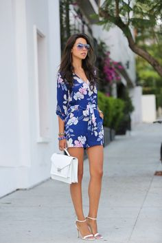 Blue Hawaiian Print Romper with White Strappy Heels fashion blue floral shorts summer fashion romper street fashion