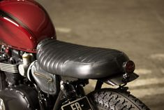 Triumph Bonneville T120 short leather seat, designed and handcrafted by BAAK.