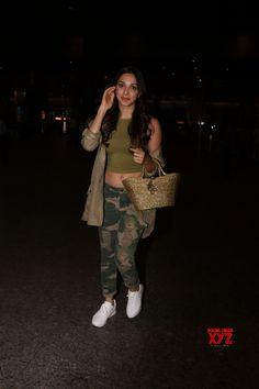 Mumbai: Actress Kiara Advani spotted at Mumbai Airport - Social News XYZ