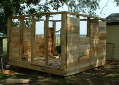 """Build a chicken coop out of pallets!Click on the link it shows the lady taking apart 200 pallets she got from a siding company and making the chicken coop herself..since her husband doesn't like chickens..hmm I bet he likes the eggs! pinned to """"It's a Pallet Jack"""" by Pamela"""