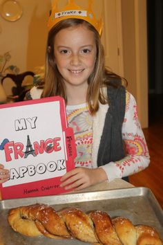 France Lapbook at HomeschoolShare.com