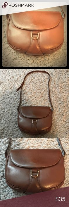 🌺COLE HAAN Beautiful Re-posh. Cole Haan leather bag. Can be used as cross body or shoulder bag.  Only flaw is in last pic as it shows wear from previous owner. Beautiful bag, just wasn't what I wanted. Cole Haan Bags Shoulder Bags