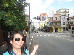 A Rua Augusta e seu entorno faziam parte da antiga Chácara do Capão, do português Manuel Antonio Vieira.   Localizada no antigo bairro da Bela Sintra, a via sempre foi um reduto de jovens. Mesmo com a decadência após a década de 1970, a Rua Augusta conseguiu se renovar.