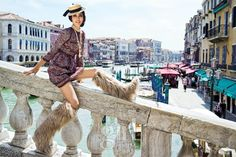 GIRL OUTFIT: Chanel inspired, LOTS of pearls, straw hat.  베니스에 푹 빠진 소녀의 황홀한 여행 :: Vogue Girl