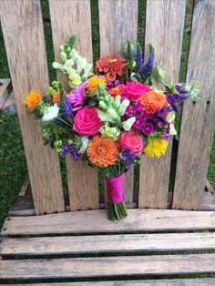 Bright summer wedding bridesmaid's bouquet. #ammiflowers #weddingflowers #bridesmaidflowers