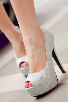 Dazziling Peep Toe Stiletto Heel Platform Pumps