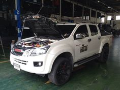 all-new-white Isuzu D Max, 4x4, Ford, Vehicles, Rolling Stock, Ford Trucks, Vehicle, Ford Expedition