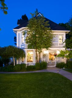 A Midsummer's Dream Bed and Breakfast is located in a quiet neighborhood on the town side of Southern Oregon University.