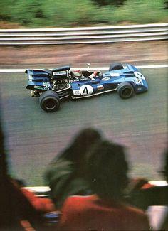 Jackie Stewart - Tyrrell Ford V8 - 1er Grand Prix de France (Charade) 1972 L'Automobile Août 1972