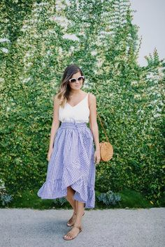 Une jupe portefeuille pas comme les autres et sa traduction Skirt Mini, Midi Skirt, Sewing Clothes, Diy Clothes, Outfit 2017, Ruffle Skirt Tutorial, Sydney Fashion Week, Models, Diy Fashion