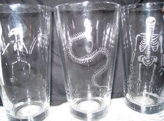 LOOOOOOOVE THESE GLASSES. Use polymark and scribbles paint to create the stencil!