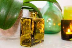Vihreä sisustuksessa MindyJBlog Flask, Perfume Bottles, Design, Perfume Bottle