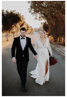 Plus Size Wedding Gowns, Dream Wedding Dresses, Bridal Dresses, Civil Wedding Dresses, Couture Wedding Gowns, Wedding Attire, Boho Wedding, Wedding Ideas, Courthouse Wedding Dress