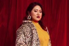 Simak Tips Edit Foto dari 4 Influencer Ini Yuk! Red Leather, Leather Jacket, Agar, Saree, Tips, Jackets, Fashion, Studded Leather Jacket, Down Jackets