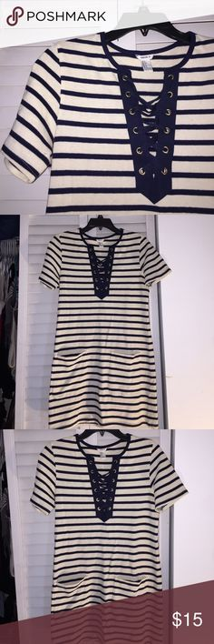 Stripped navy blue and vanilla color dress Forever 21 causal flowy dress size small Forever 21 Dresses Midi