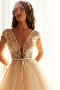 Εντυπωσιακο νυφικο σε αλφα γραμμη απο δαντελα κεντημενη. Νυφικα αθηνα Bridal Dresses, Wedding Gowns, Embellished Gown, Sophisticated Bride, Maid Dress, Gorgeous Wedding Dress, Bridal Collection, Couture Collection, Dream Dress